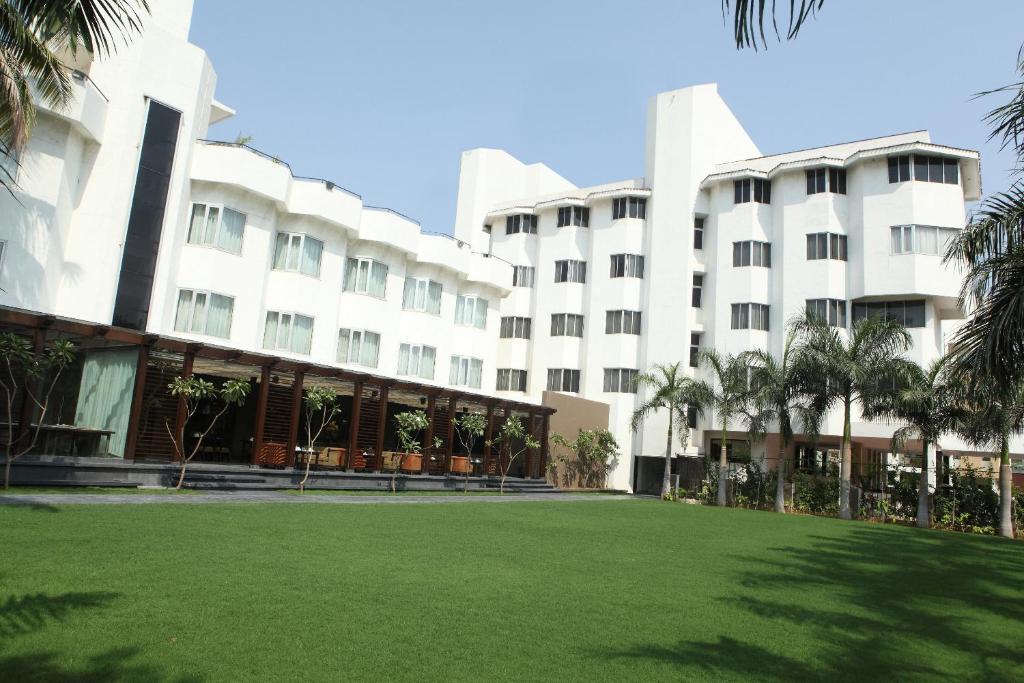 Hotel Express Residency Vadodara in Vadodara