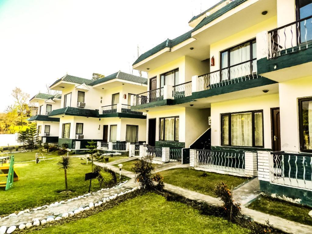 Van Durga Villas & Suites in Katra