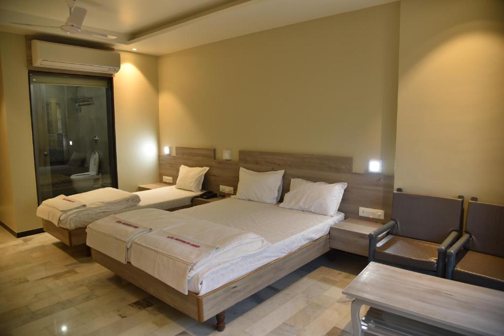 Hotel Hrushikesh in Shirdi