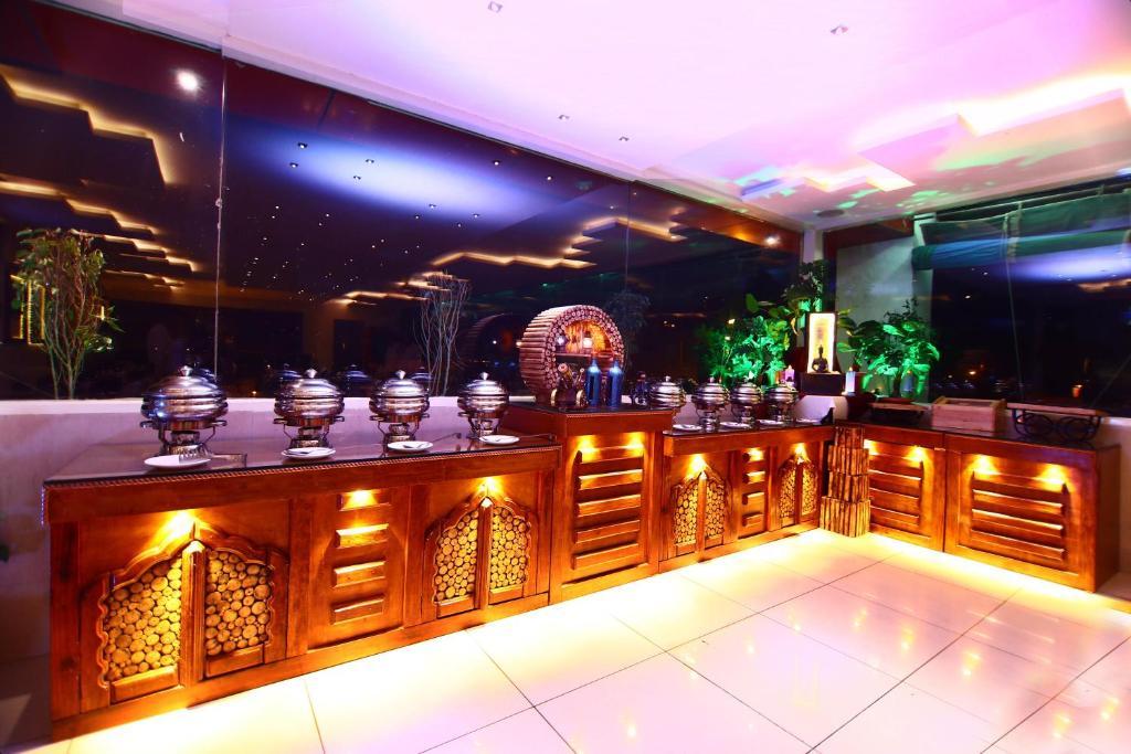 Taj Inn Hotel in Agra