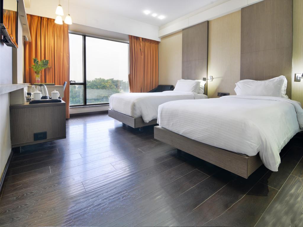 Hotel Tansha Regency in Vadodara