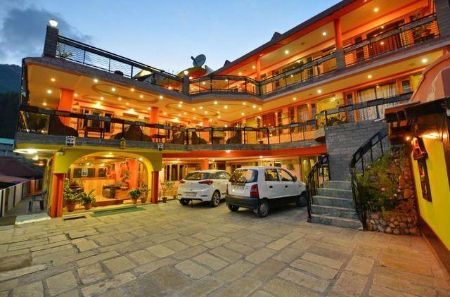 Hotel Snow Line in Manali
