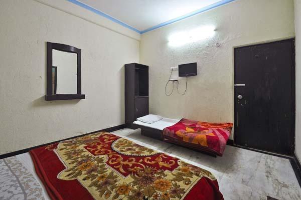Hotel Fame Castle Inn in Agra