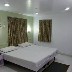 Marble Palace Guest House in Kolkata