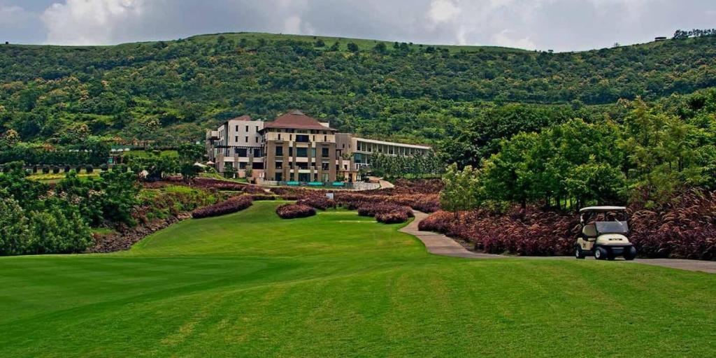 Oxford Golf Resort in Pune