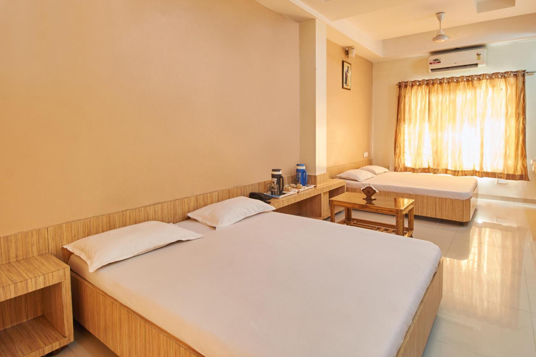 Hotel Saichha in Shirdi