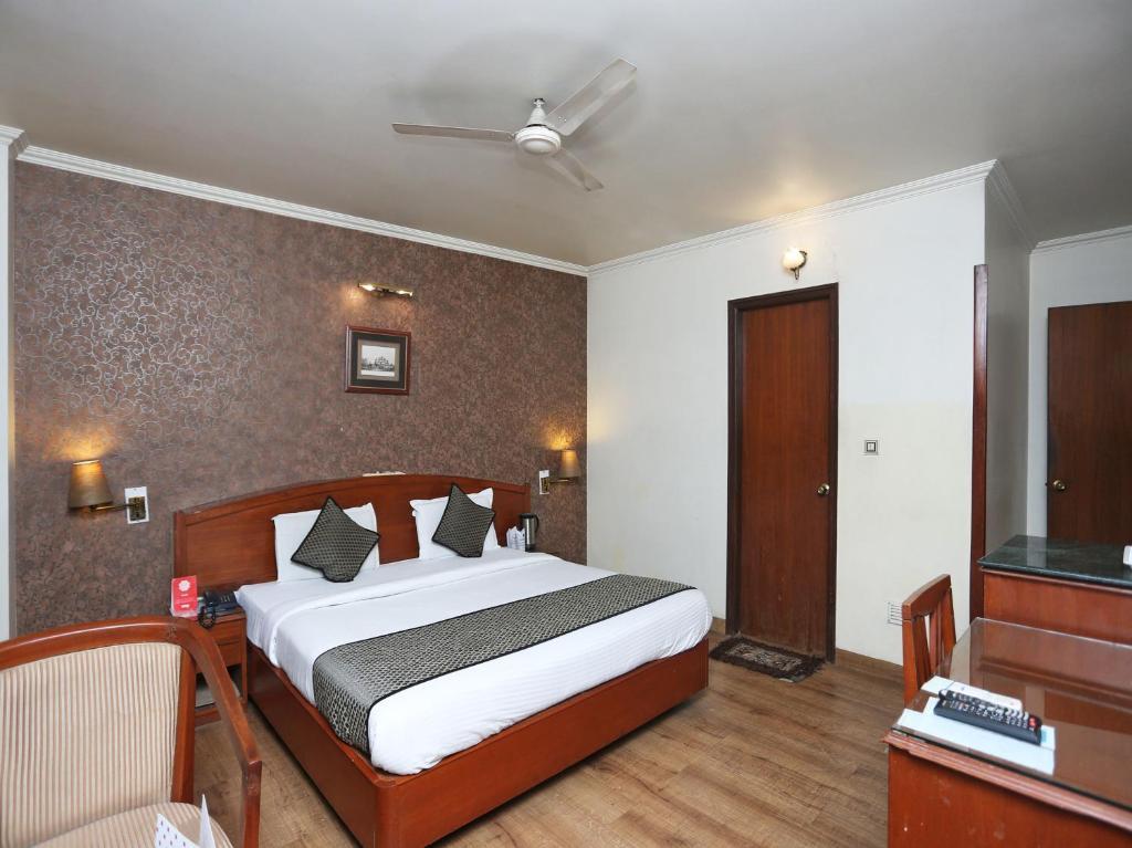 OYO 3499 Tekarees Inn in Lucknow