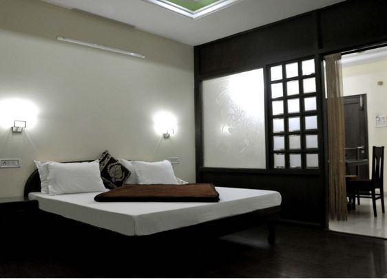 Hotel R V Continental in Amritsar