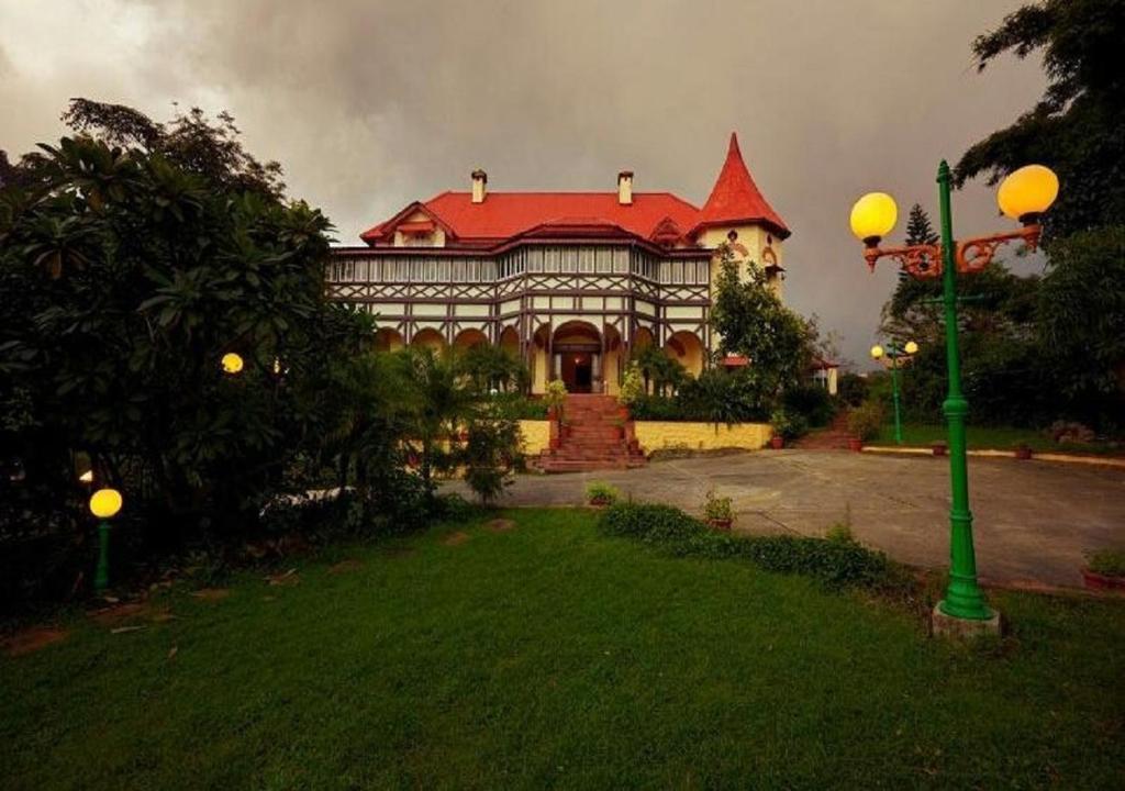 Hotel Sunrise Palace in Mount Abu