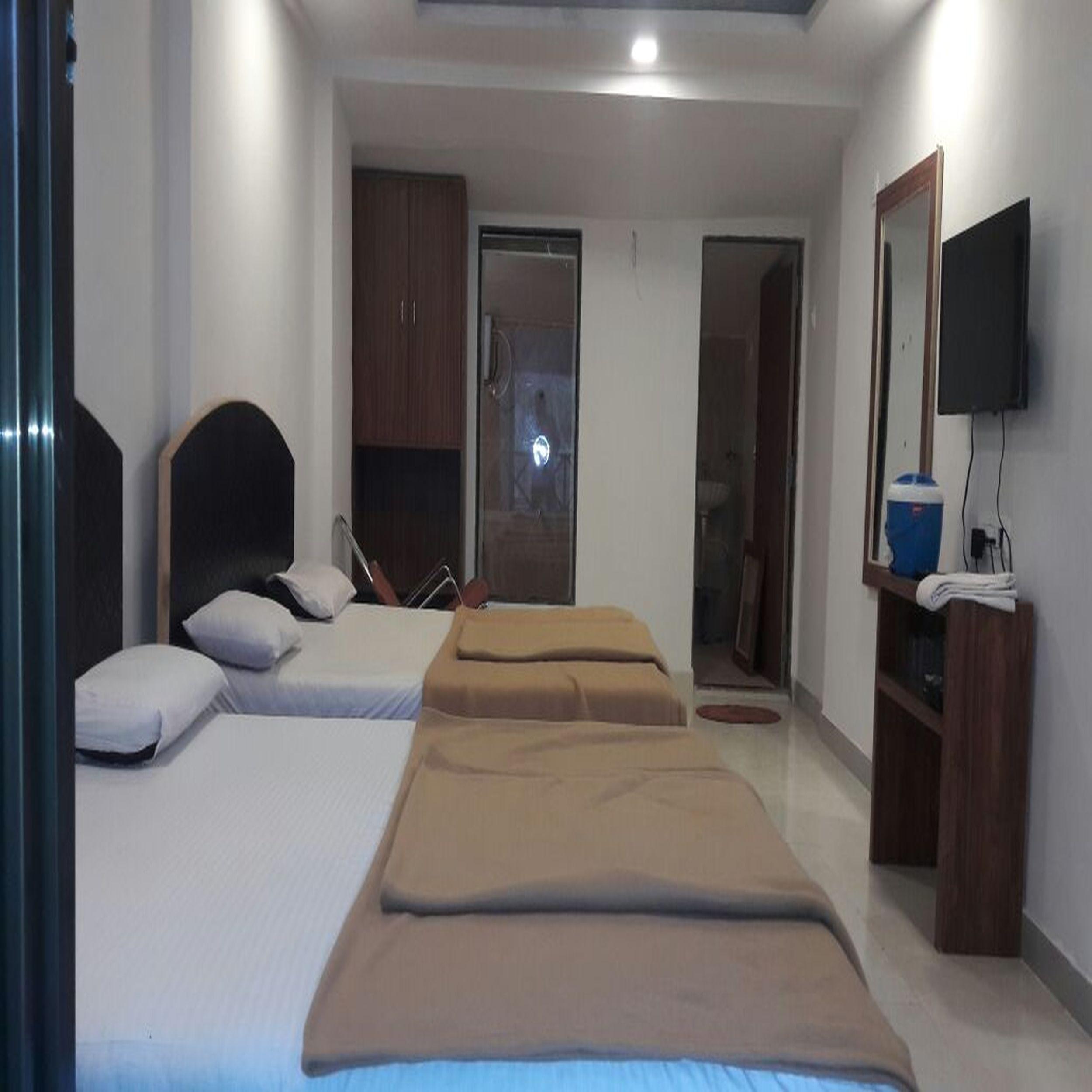 Hotel Royal- Pure Veg in Matheran