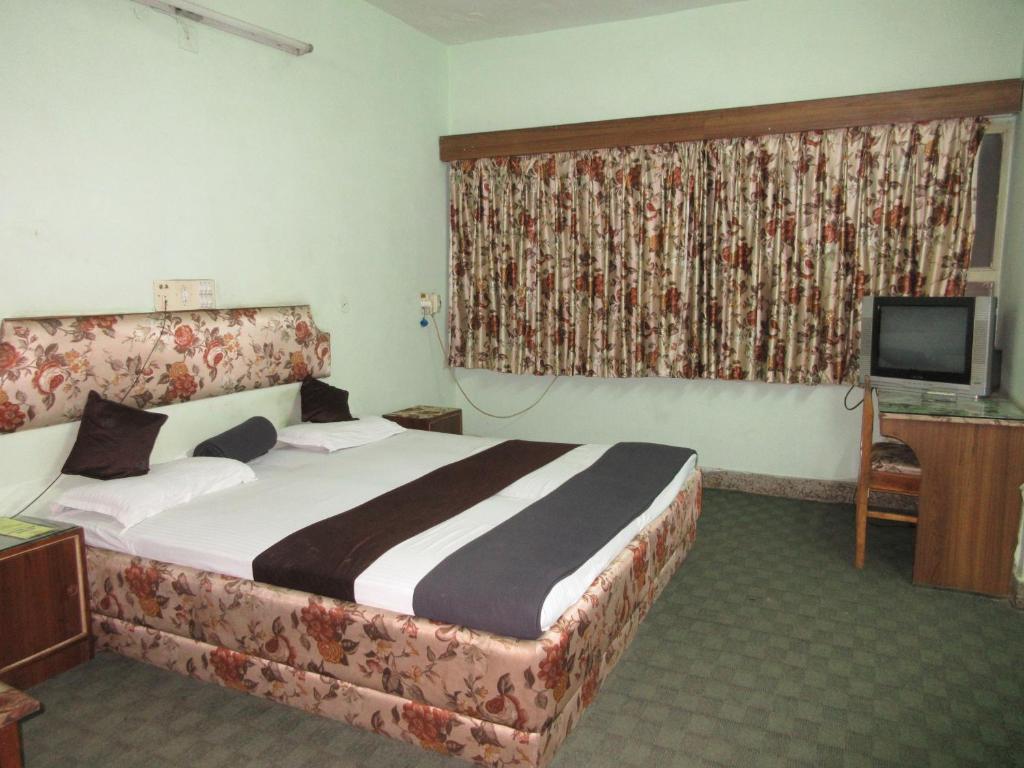 Hotel All Near in Raipur