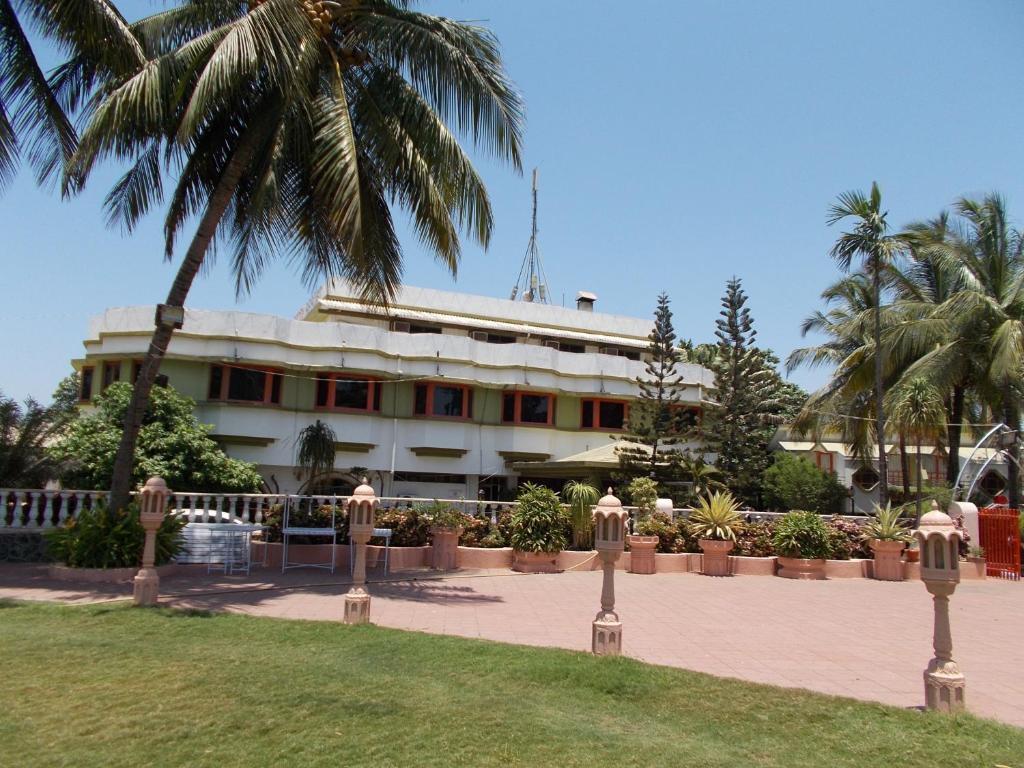 Sandy Resort in Daman