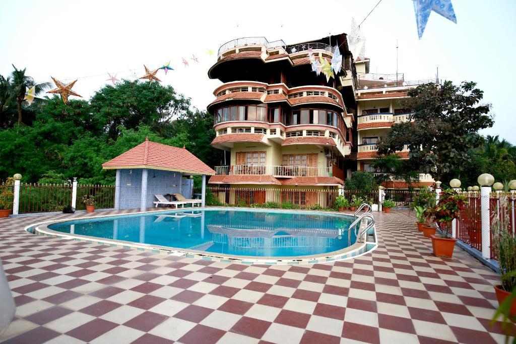 Hill & Sea View Ayurvedic Beach Resort in Kovalam