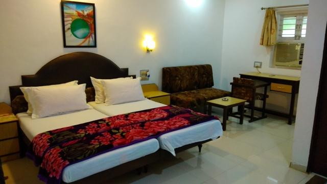 Hotel Royal in Ahmedabad