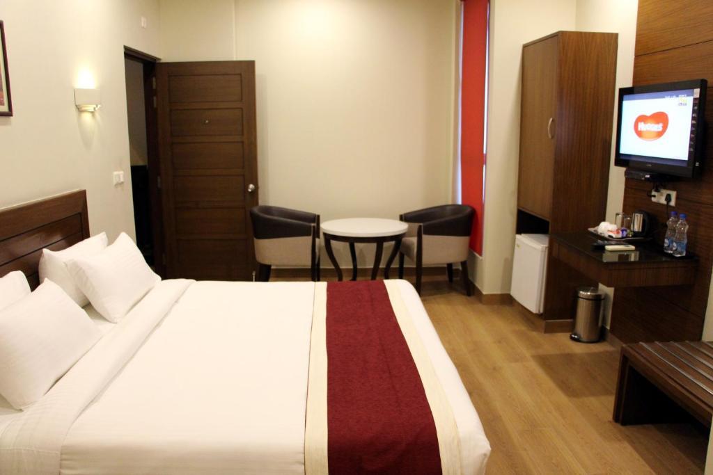 Hotel Dasaprakash Agra in Agra