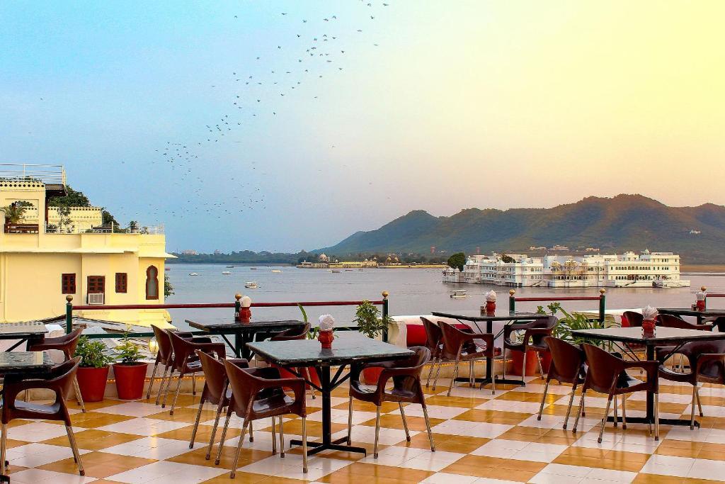 Hotel Devraj Niwas in Udaipur