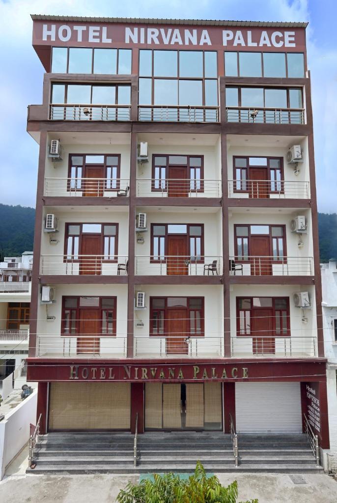 Hotel Nirvana Palace in Rishikesh