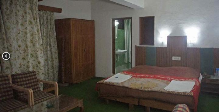 Hotel Pari Mahal in Srinagar