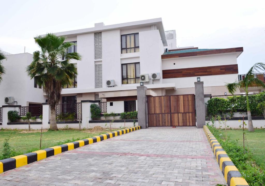 When In Gurgaon - Service Apartments in Gurugram
