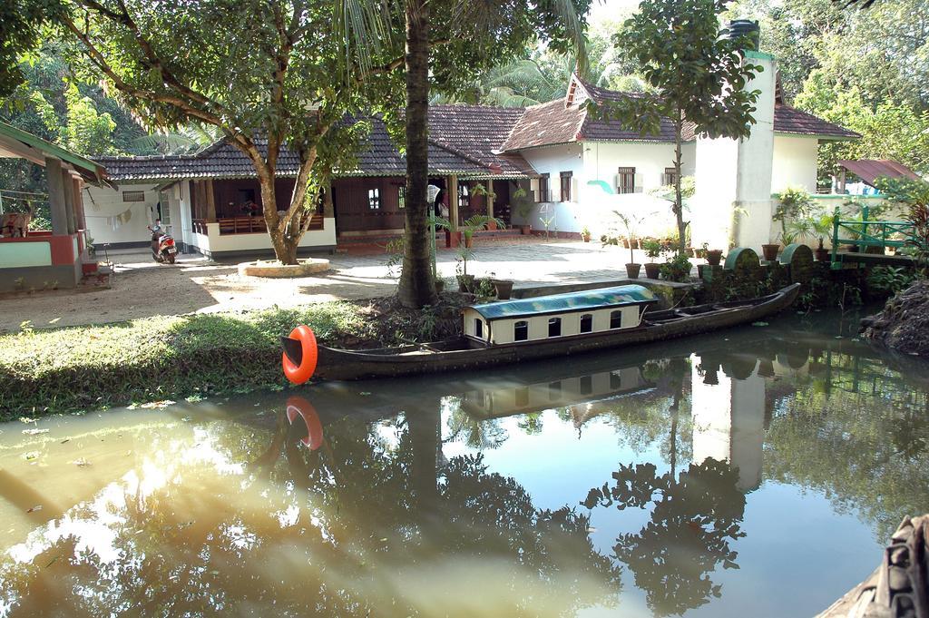 Kodianthara Heritage Home in Kumarakom