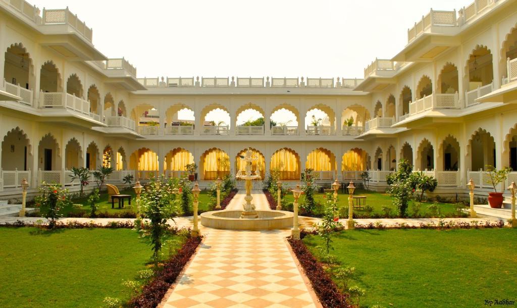 Anuraga Palace, A Treehouse Palace Hotel in Sawai Madhopur