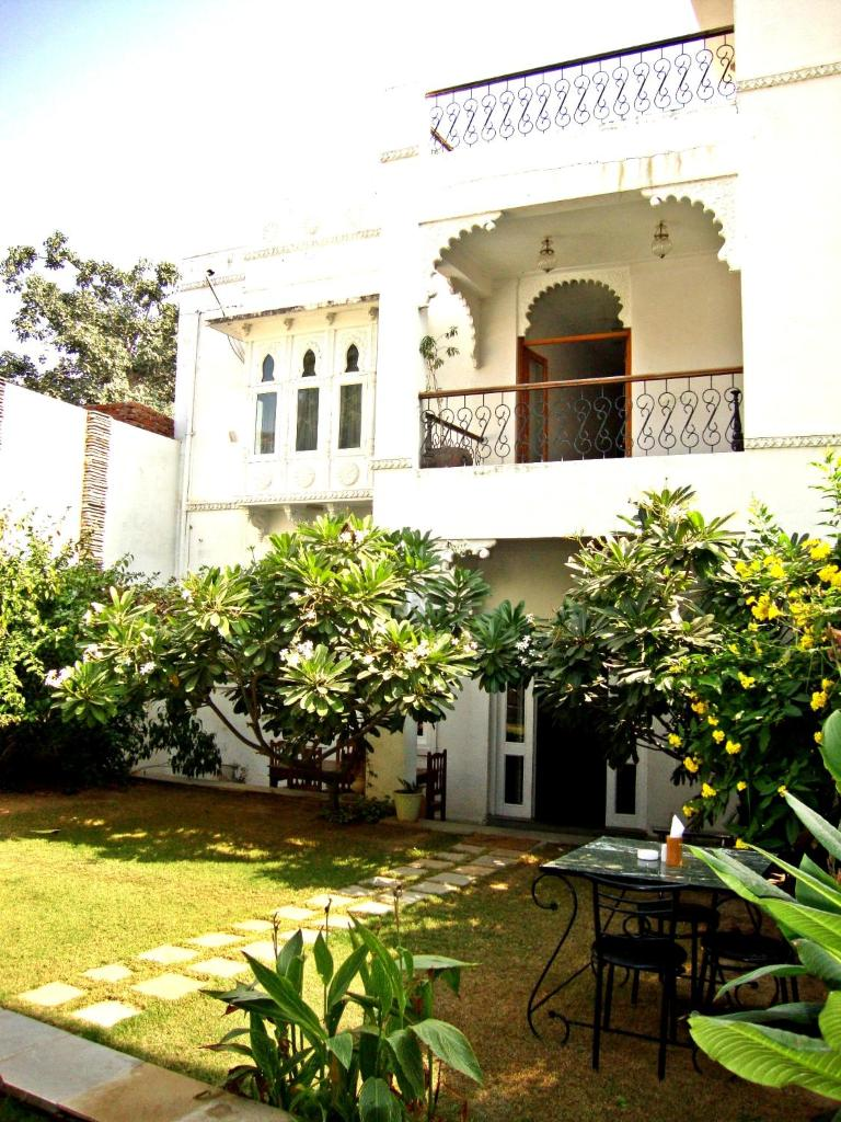 Hibiscus Guest House in Udaipur