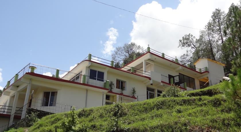 Nature's Valley Resort in Kausani