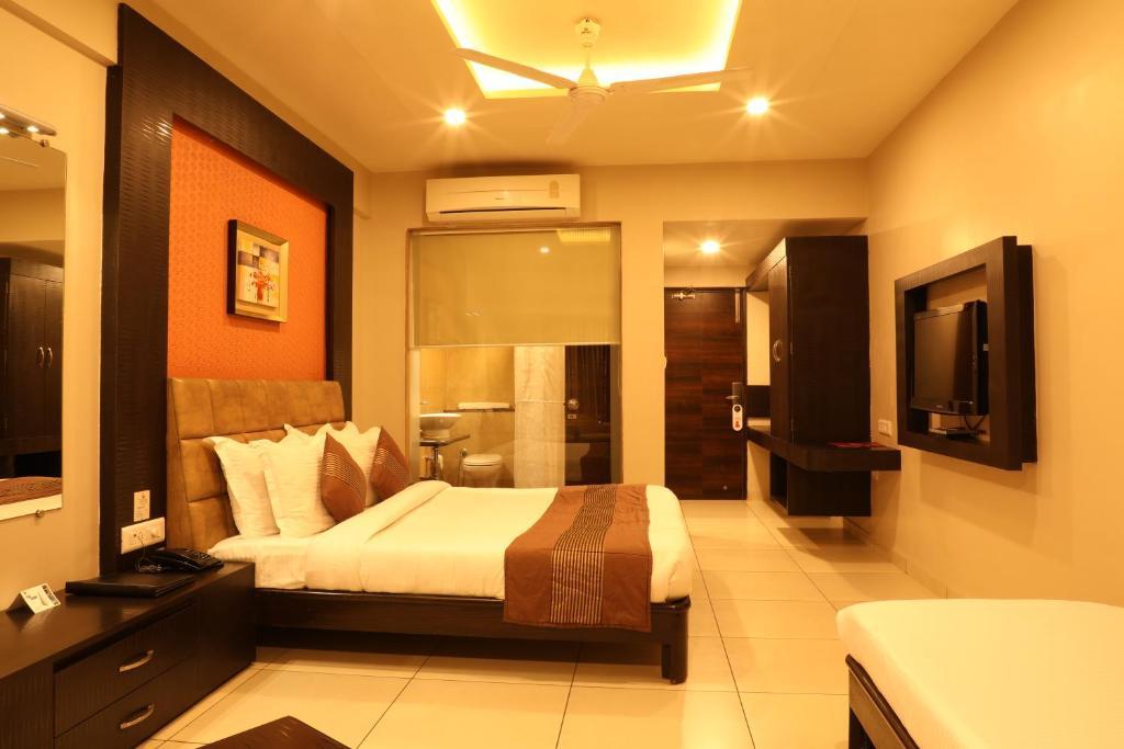 Patang Residency in Saputara