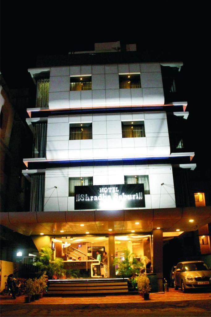 Hotel Shradha Saburi Palace in Shirdi