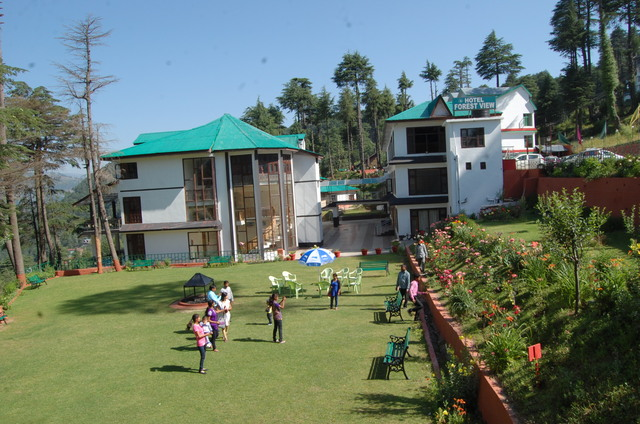 Hotel Forest View in Patnitop