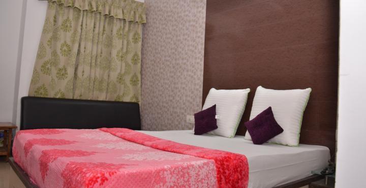 Hotel Nilkamal in Gandhinagar