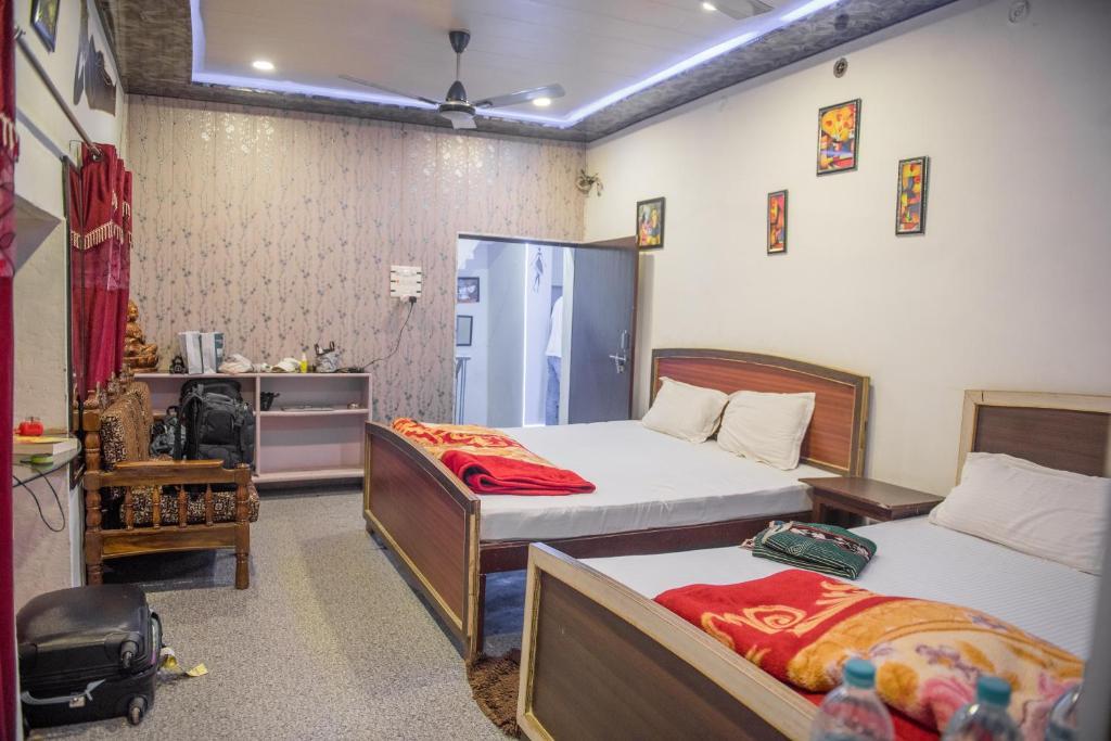 Kanha Paying Guest House in Varanasi