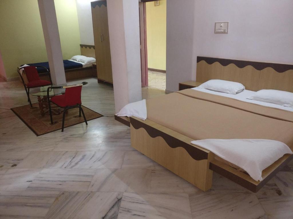 F J Comforts Inn in Chikmagalur