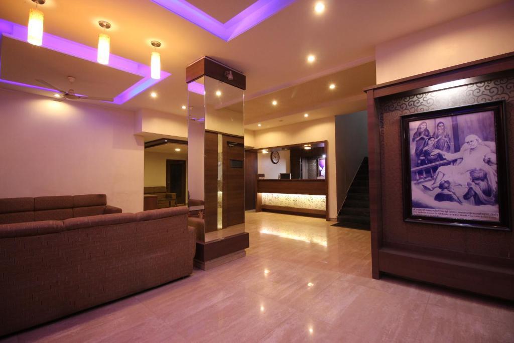 Hotel Laxmibai Palace in Shirdi