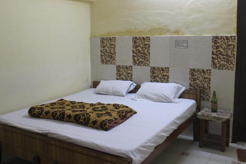 Tripti Hotel in Rishikesh