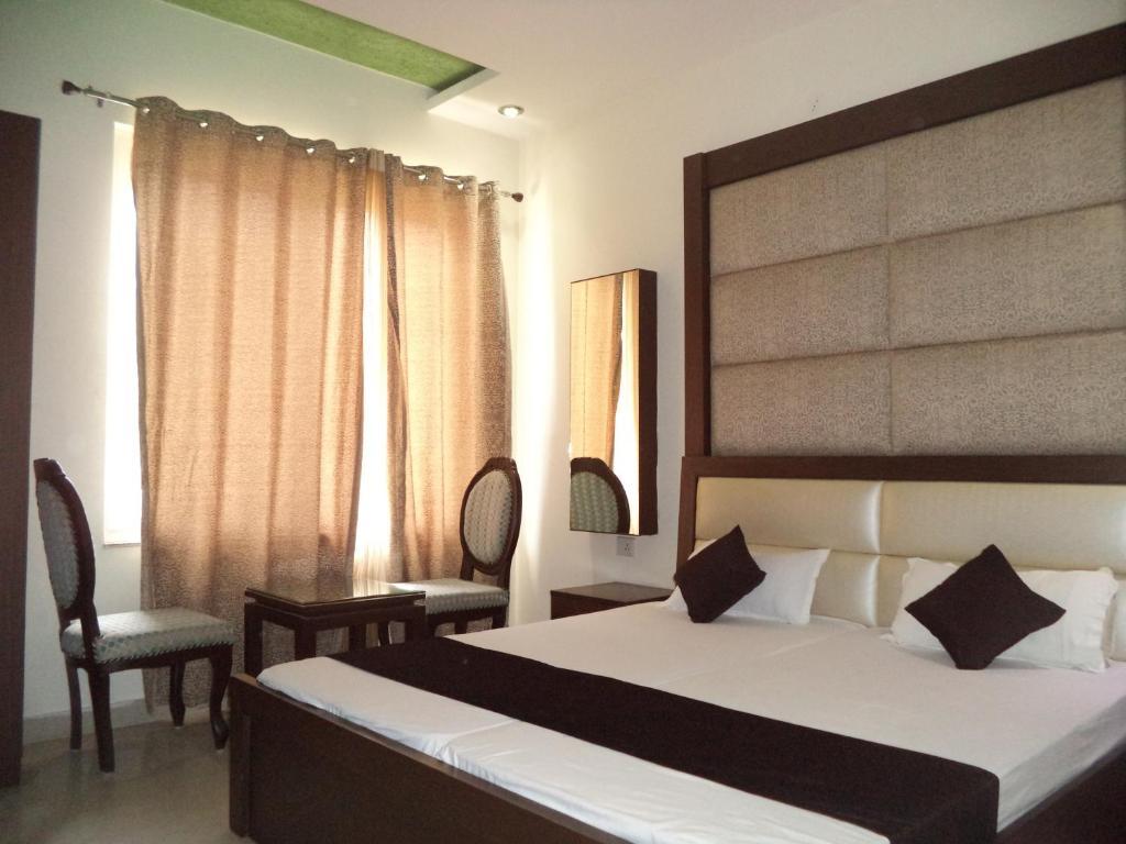 Hotel Laxmi Palace in Rishikesh