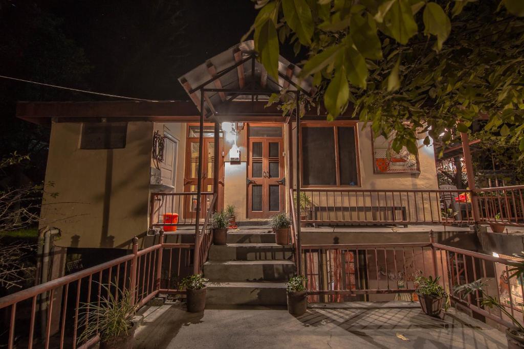 Notonmap - H2o House in Chamba
