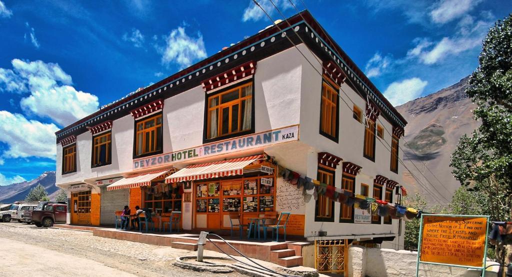 Hotel Deyzor in Kaza