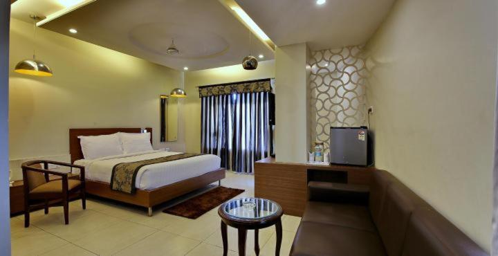 Hotel Sheela Shree Plaza in Jhansi