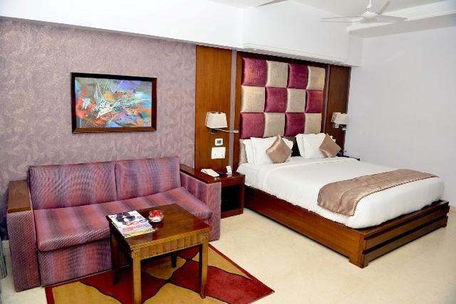 Hotel Grand Mehfil in Amravati