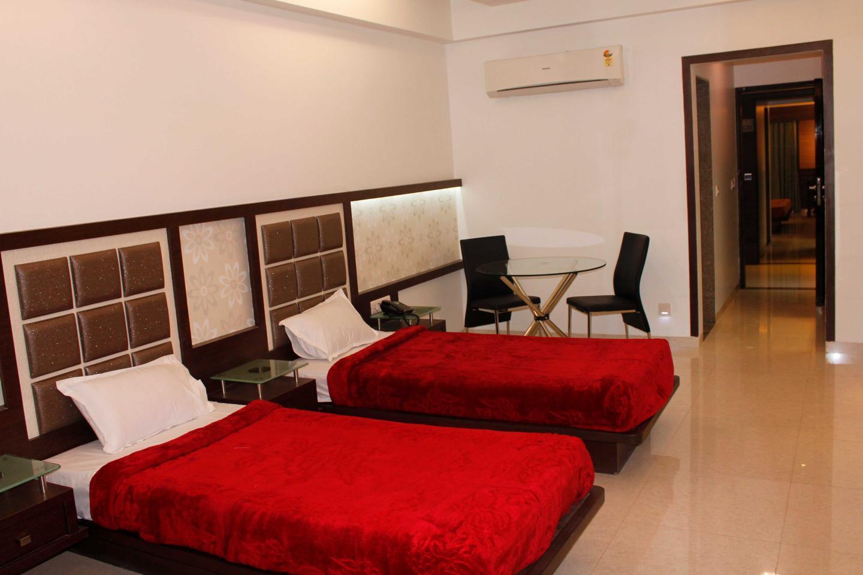 Hotel Paradise in Ankleshwar