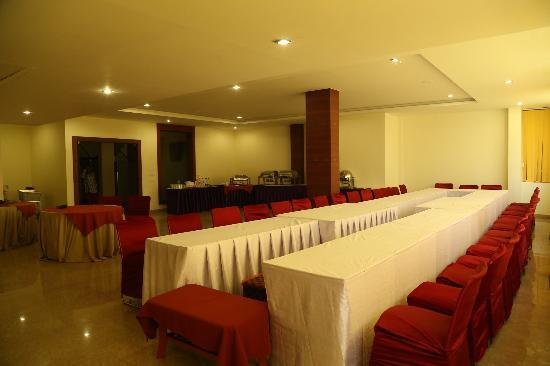 Hotel The Emerald in Bilaspur