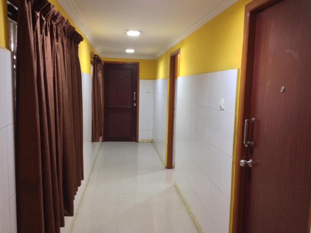 M J Guest House in Chennai