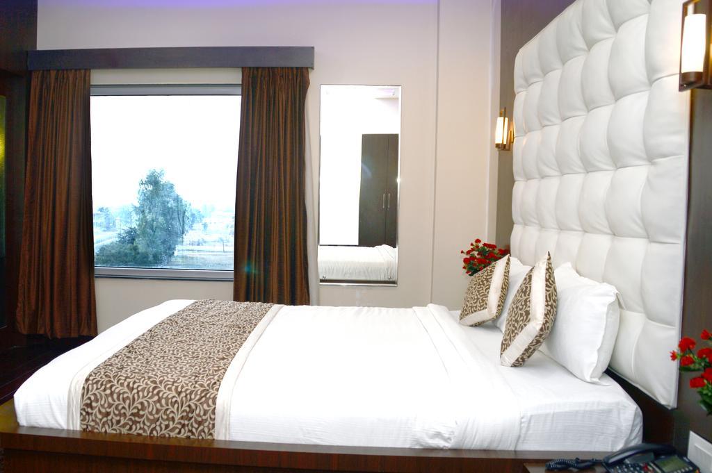 Hotel The Karan in Chhindwara