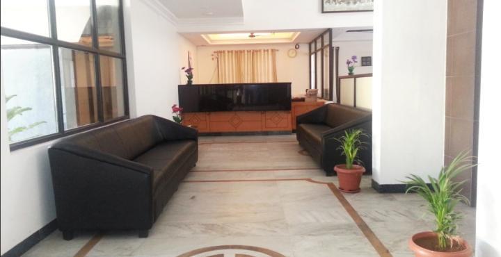 Hotel Oasis Grand in Erode
