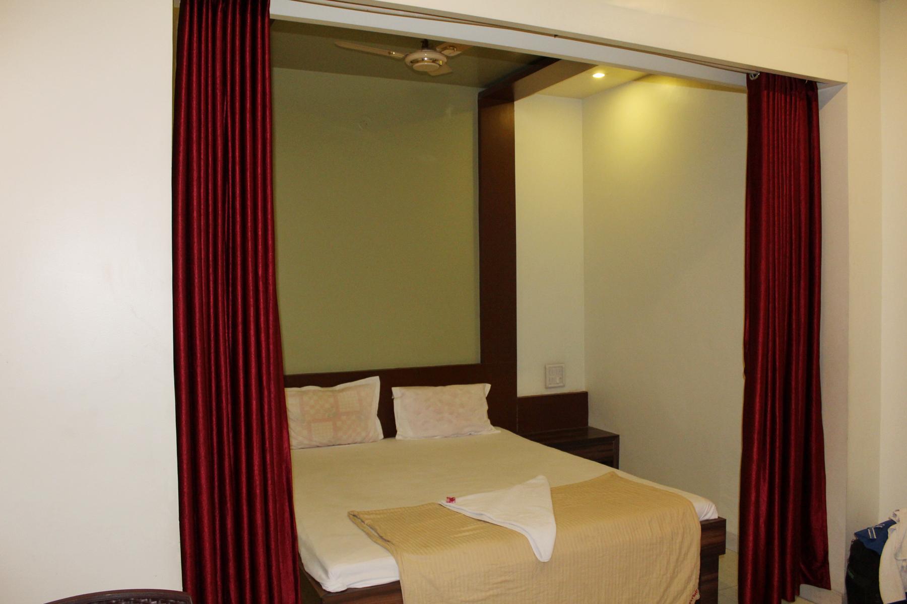 Hotel Udayshree Palace in Latur