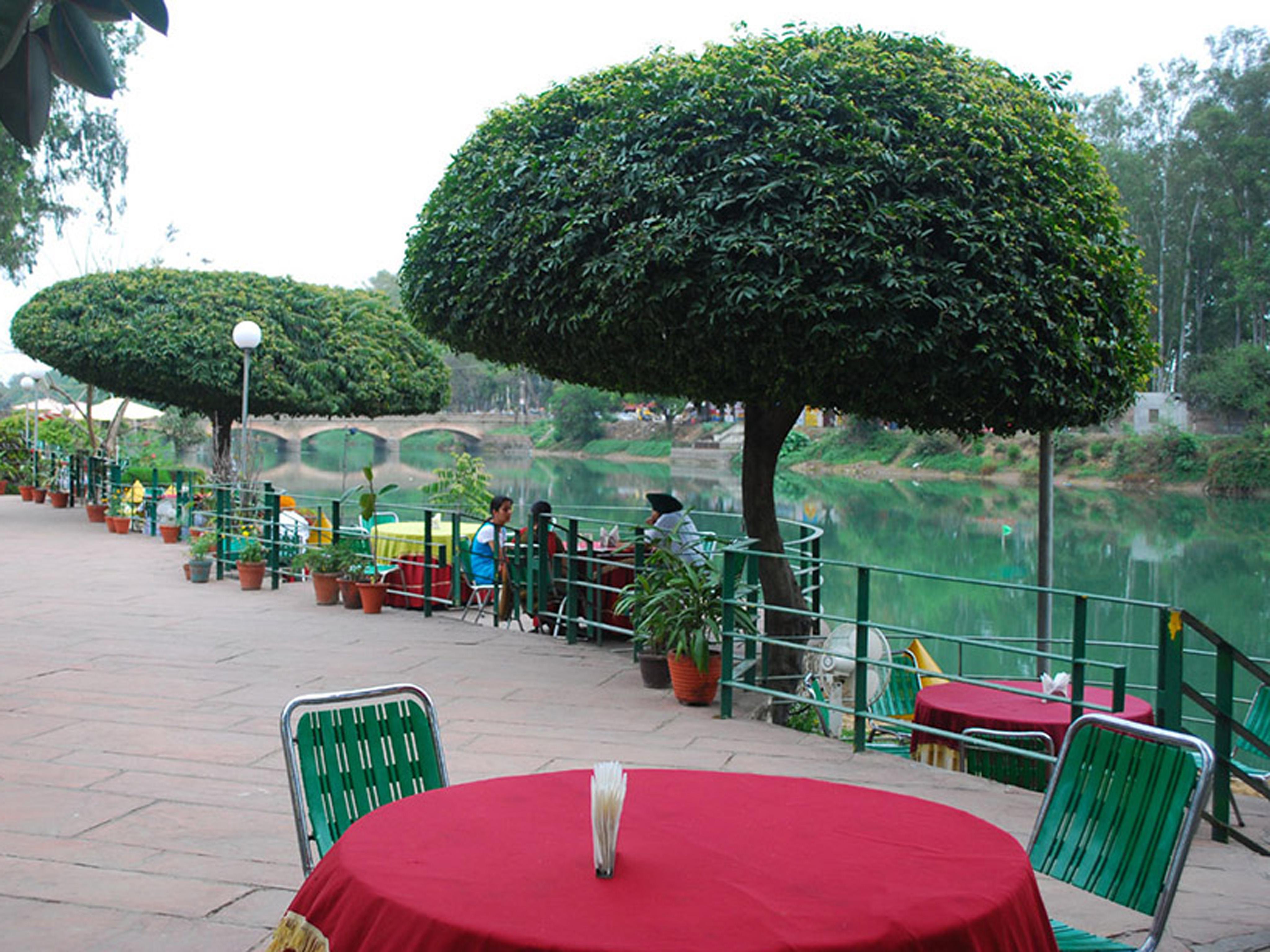 Queens Flower Resort in Ludhiana