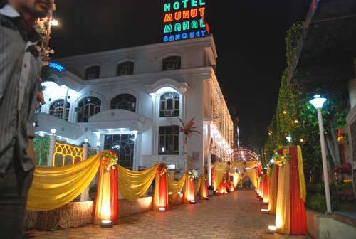Hotel Mukut Mahal in Meerut