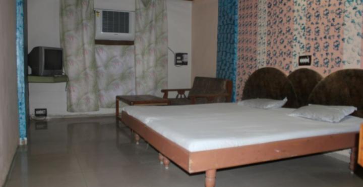 Vikram Palace Hotel in Mehsana