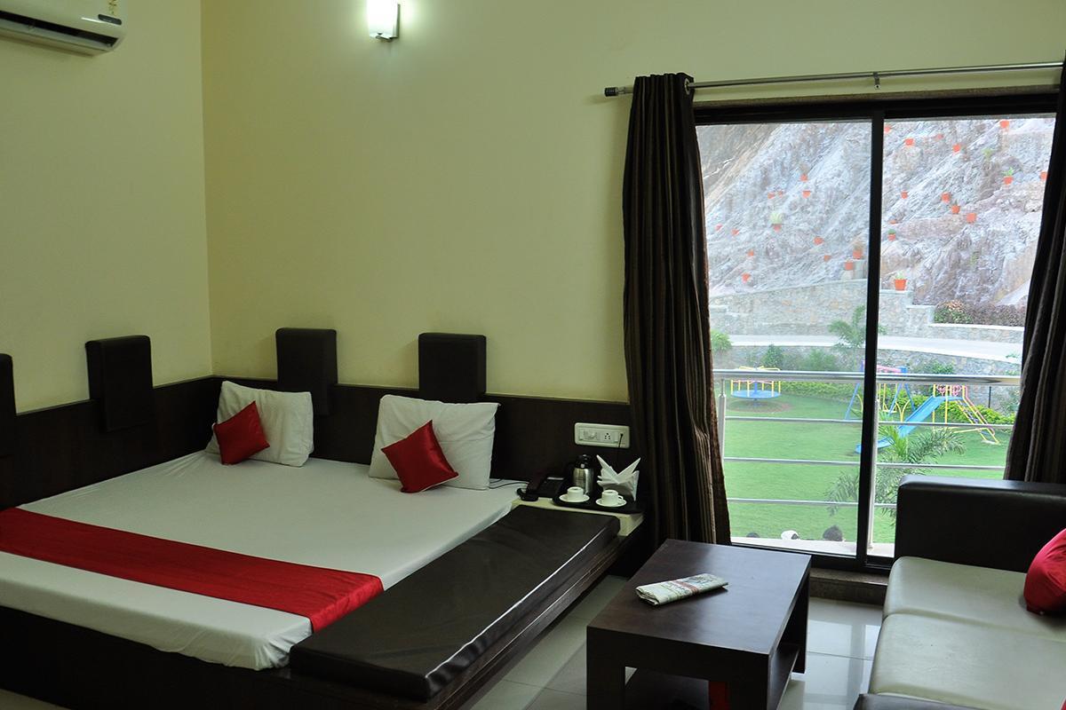 Hotel Anan Palace in Mount Abu